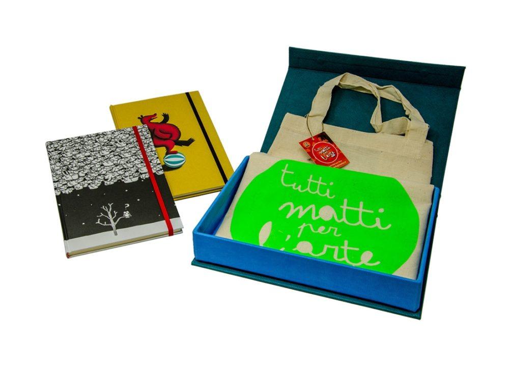 TMA Kit2 Idea Regalo Sketchbook + Shopper + Confezione Tela Calamitata
