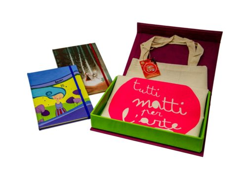 TMA Kit2 Idea Regalo Sketchbook + Shopper + Confezione Tela Calamitata