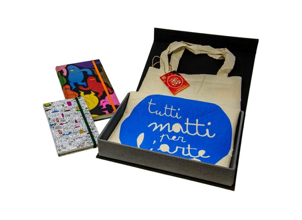 TMA Kit3 Idea Regalo Sketchbook + Shopper + Confezione Tela Calamitata